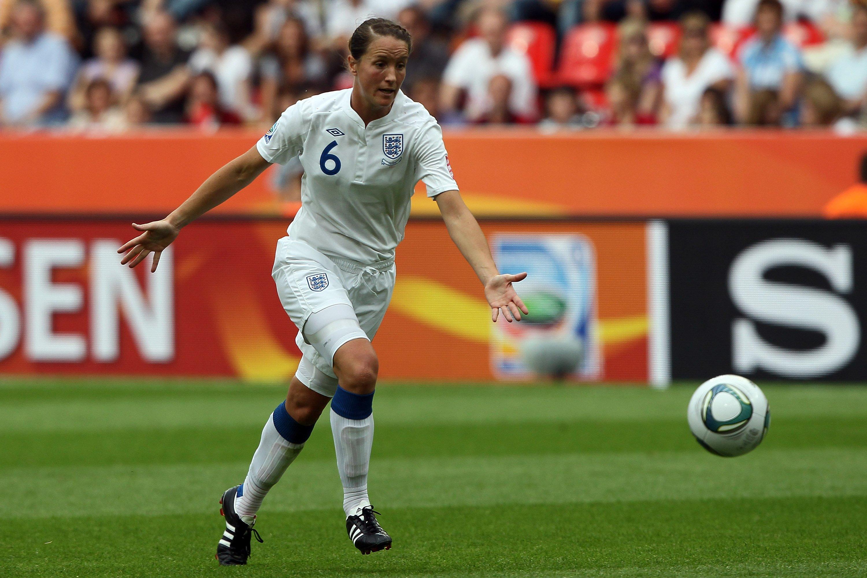 Casey Stoney, capitaine de l'équipe d'Angleterre, révèle son homosexualité