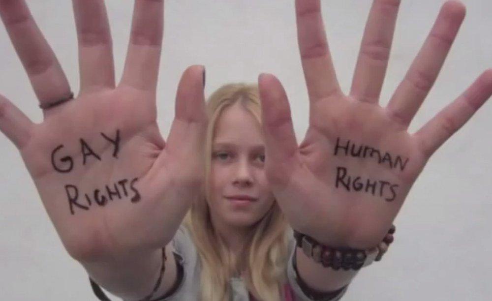A 12 ans, elle réalise un court-métrage en faveur du mariage pour tous