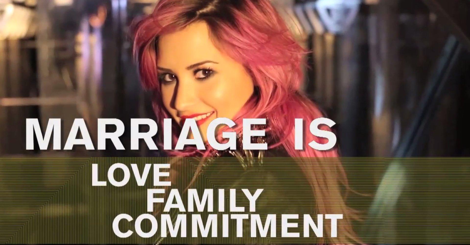 Demi Lovato : « Que vous soyez LGBT ou non, votre amour est vrai, beau, et c'est un cadeau du ciel »
