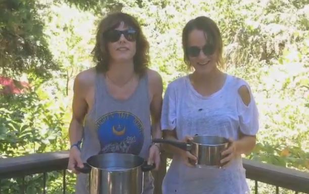 Kate Moennig et le Ice Bucket Challenge