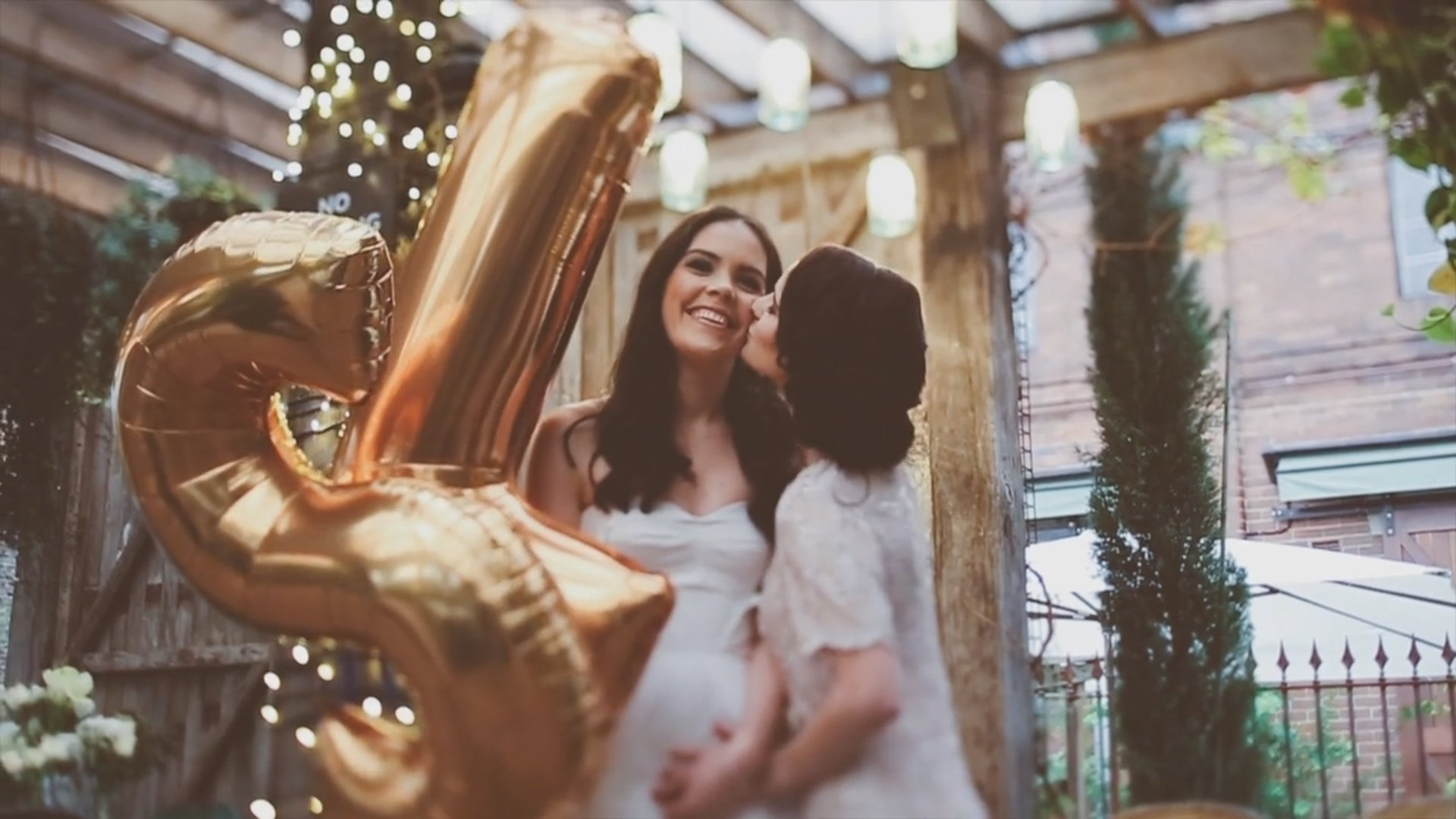 Découvrez la splendide vidéo du mariage de Sara et Lee-Anne