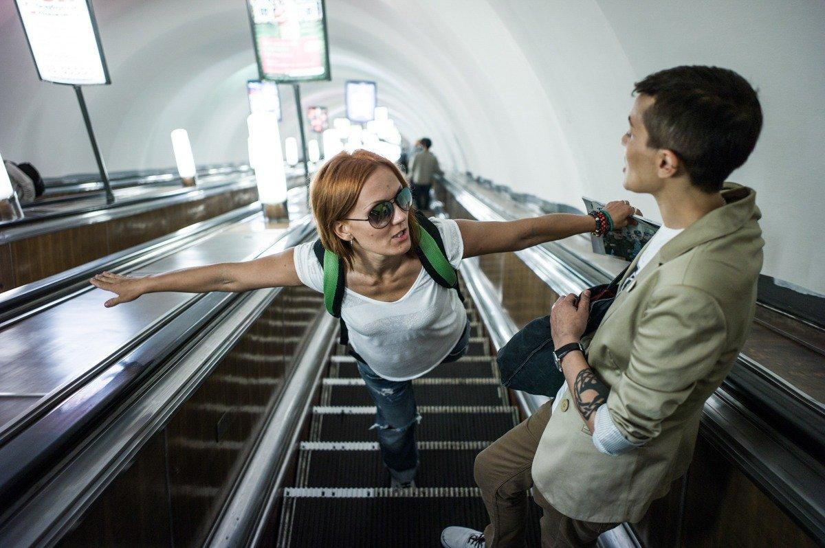 Il photographie pendant un an l'intimité d'un couple lesbien à Saint-Pétersbourg