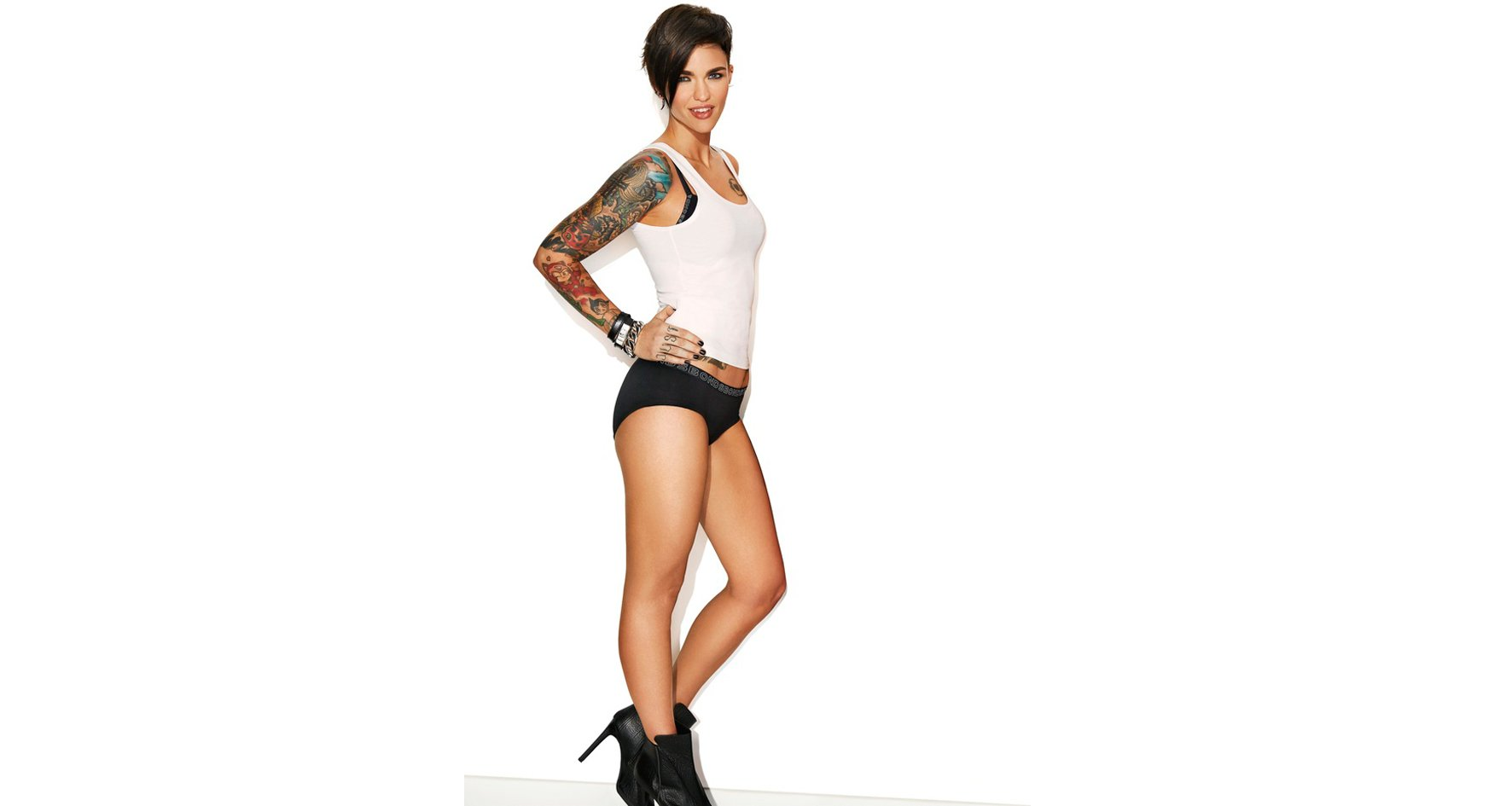 Ruby Rose pose pour Bonds