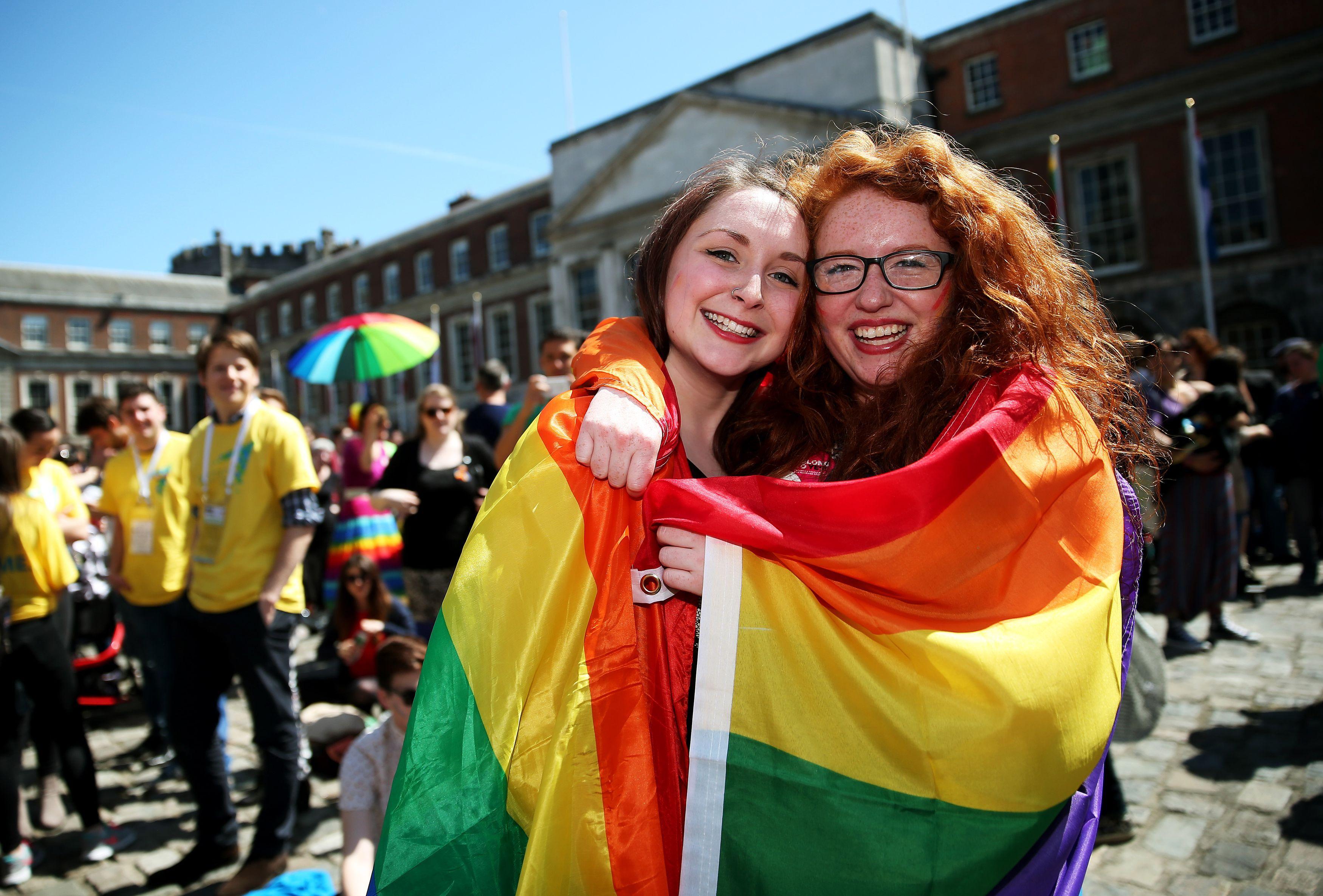Belfast vote pour l'ouverture au mariage pour les couples de même sexe