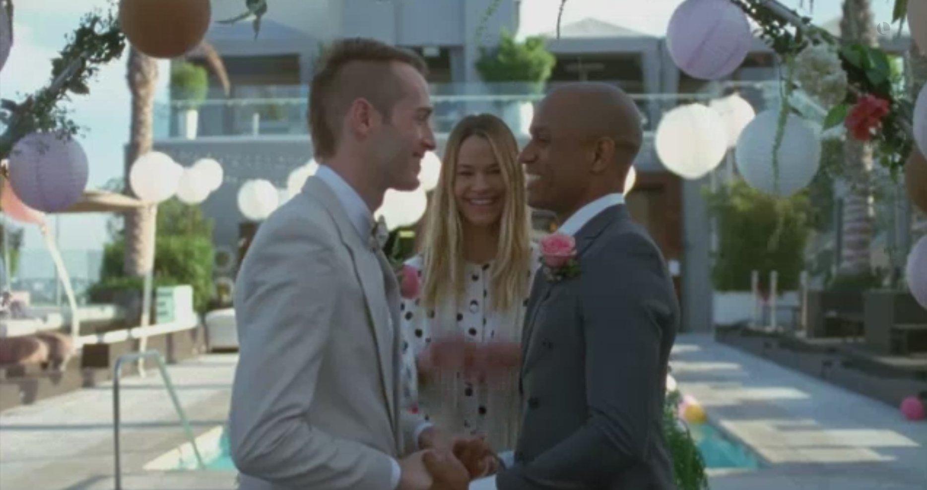 La vidéo du jour : Leisha Hailey marie un couple d'hommes dans un clip de soutien à l'égalité des droits