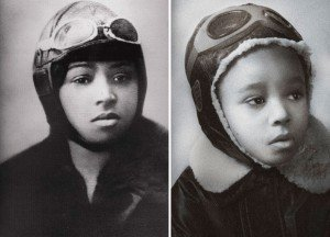 Lily pose comme Bessie Coleman