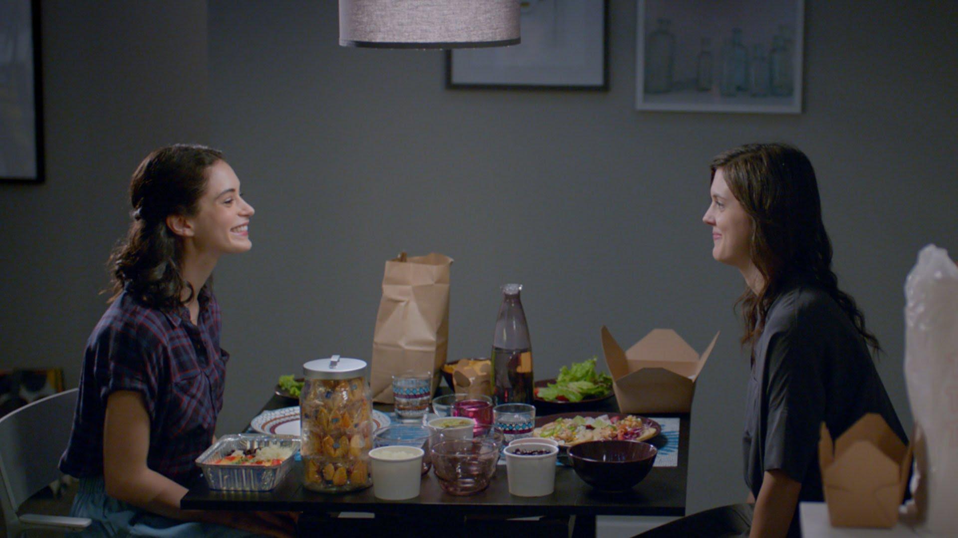 Un couple de lesbiennes dans la nouvelle pub d'Ikea