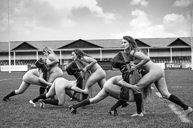 Calendrier 2016 : les joueuses de rugby de l'université d'Oxford se déshabillent pour la bonne cause
