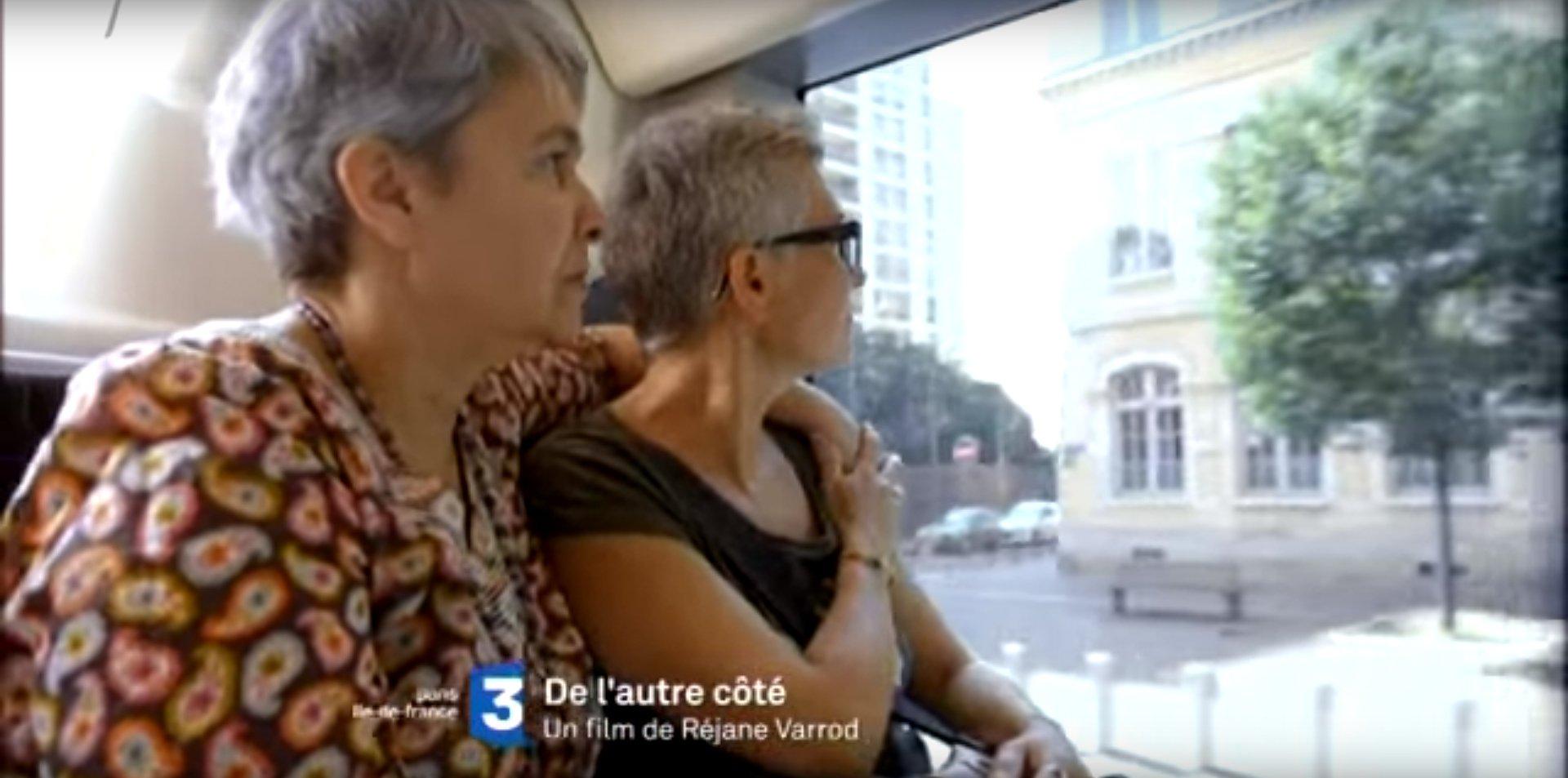 Télé : «De l'Autre côté», le parcours de femmes en couple avec un homme qui sont tombées amoureuses d'une autre femme.