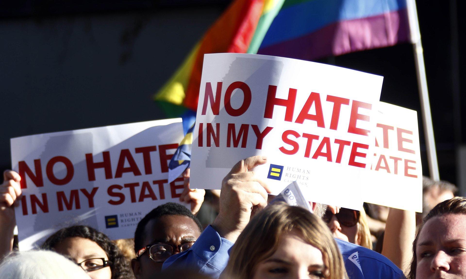Etats-Unis : le Mississippi ratifie une loi autorisant les discriminations des personnes LGBT