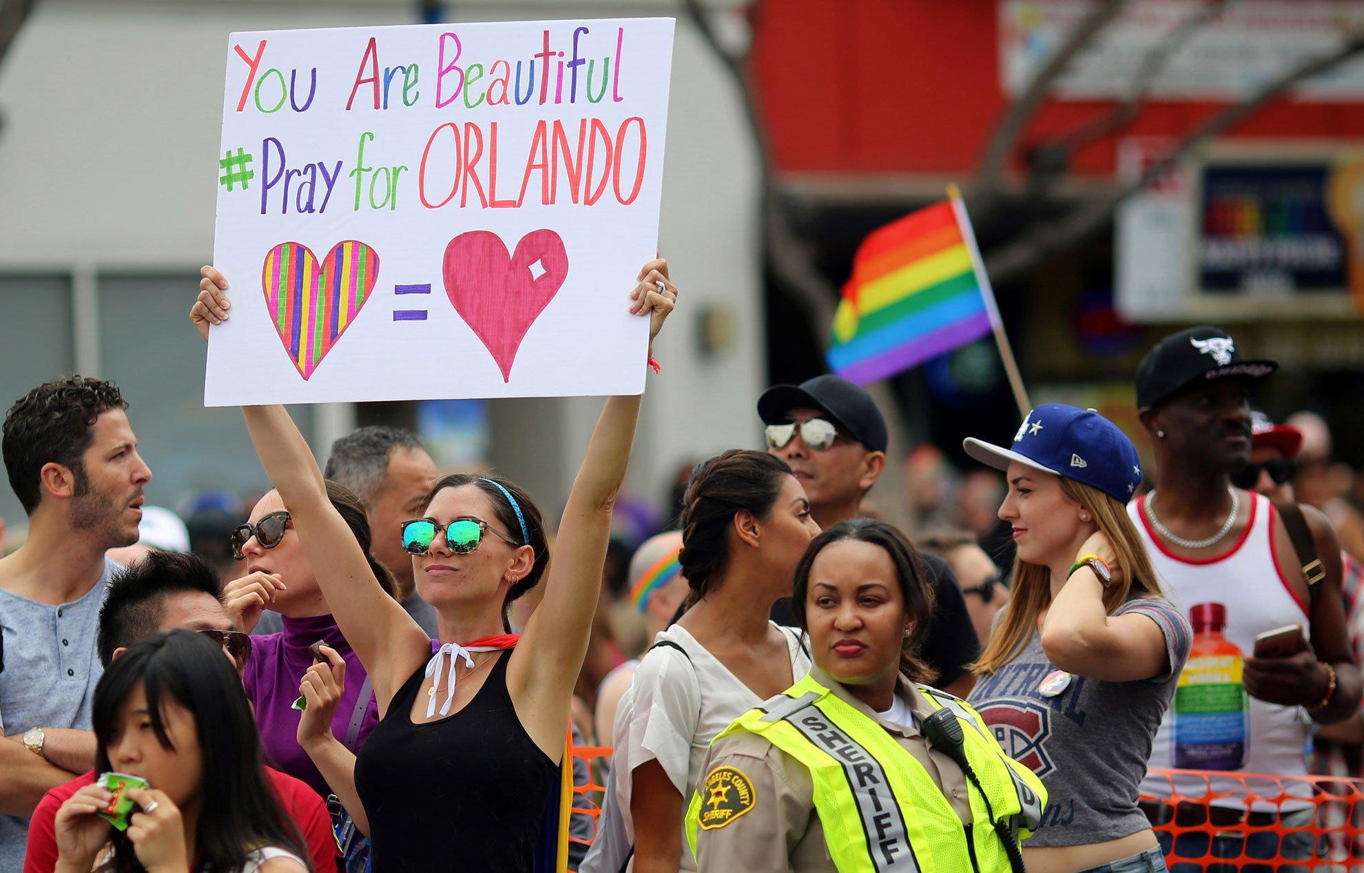 Tuerie d'Orlando : rassemblements en hommage aux victimes