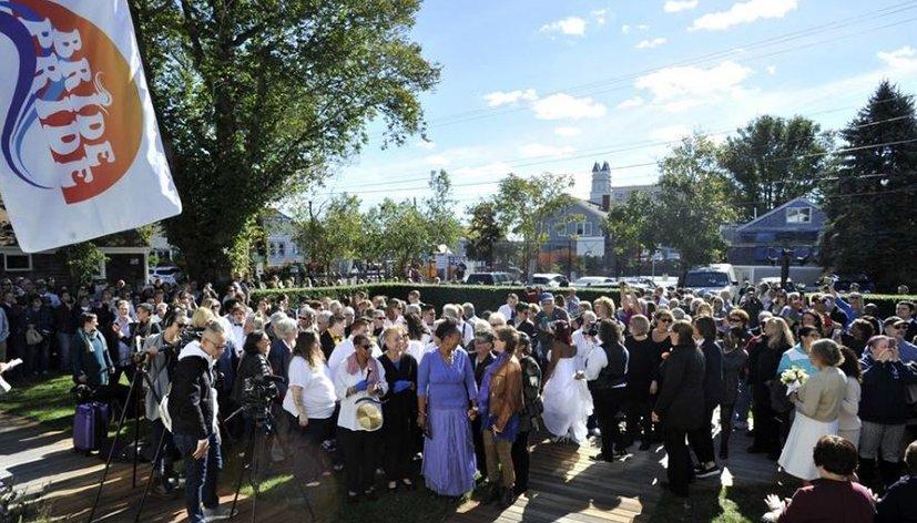 Provincetown : 53 couples lesbiens se sont dit « oui »