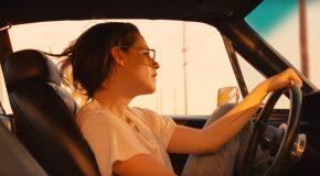 Le clip du jour : Kristen Stewart dans Ride 'Em On Down des Rolling Stones