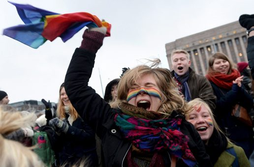 La Finlande dit définitivement « oui » à l'ouverture du mariage aux couples de même sexe