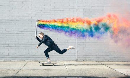 La photo du jour : La skateboardeuse Lacey Baker pose pour la bonne cause