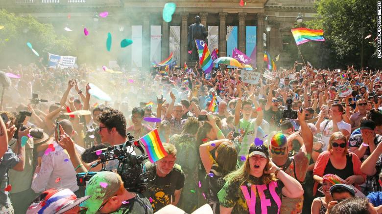 L'Australie légalise le mariage pour les couples homos