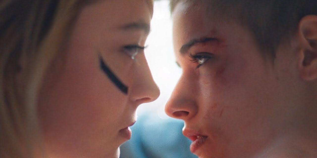 Hyphen Hyphen dénonce la lesbophobie dans son nouveau clip