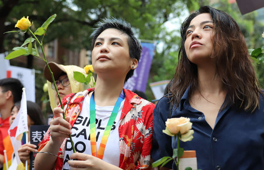Taïwan reconnaît légalement l'union des couples de même sexe, une première en Asie !