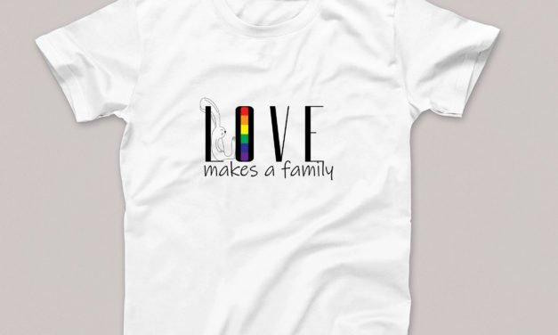 T-shirt Love Makes a Family