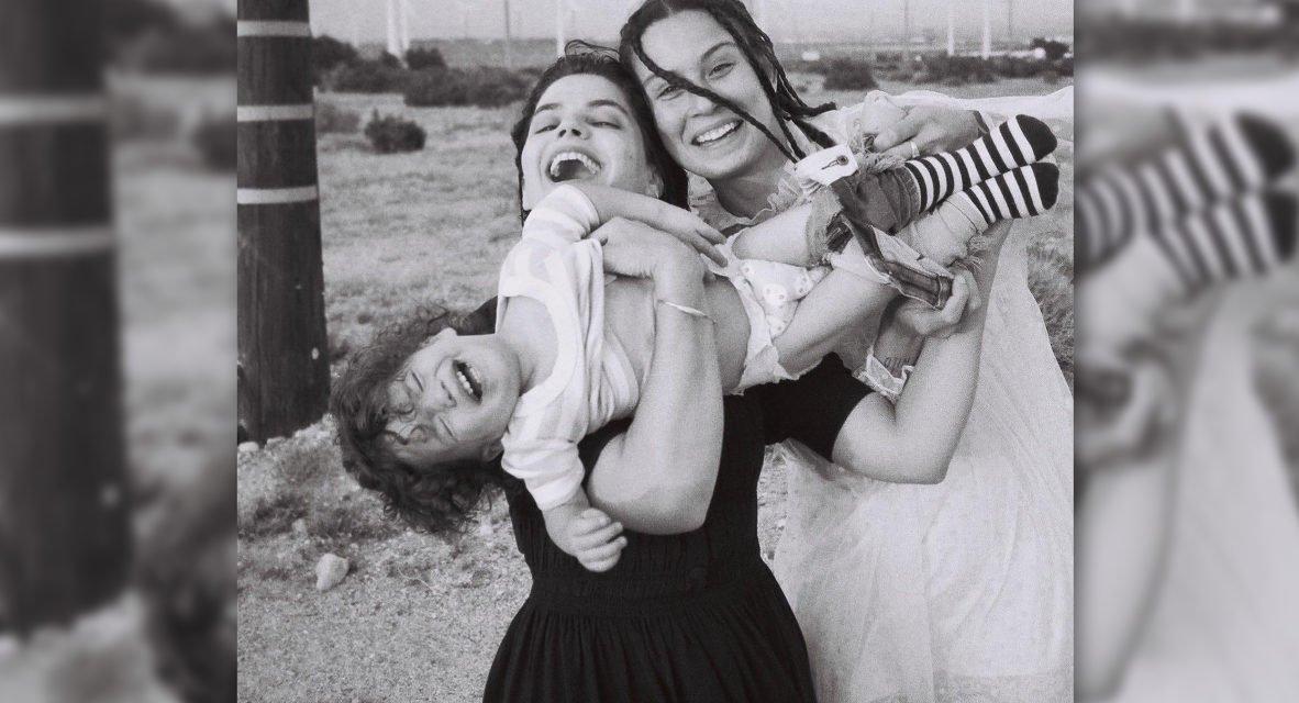 Soko célèbre les familles queer avec le clip de Let Me Adore You
